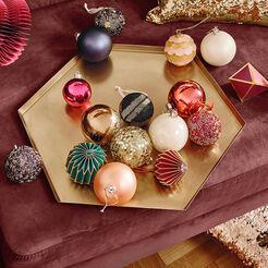 k nstliche weihnachtsb ume mit beleuchtung butlers. Black Bedroom Furniture Sets. Home Design Ideas